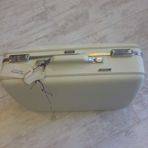 1950's vintage style suitcase | The Brazilian Dresser